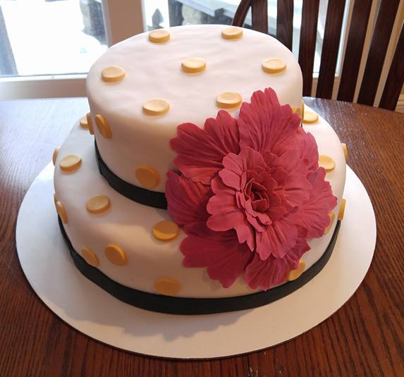 Simple Elegant Flower Cake - by Carolyn Rodriguez