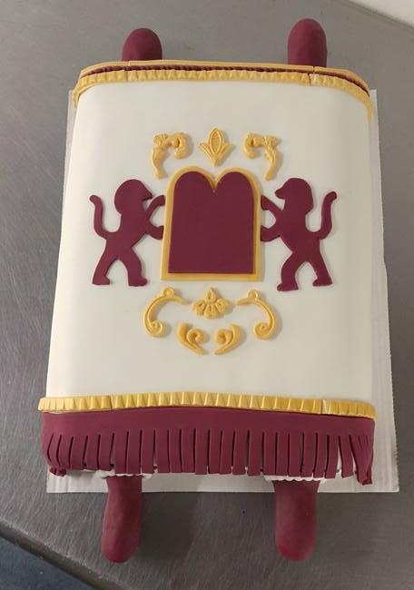 Lions Shield Cake - by Carolyn Rodriguez