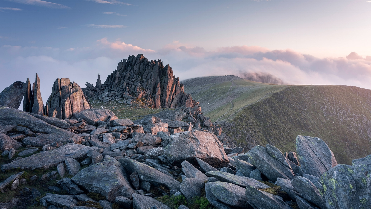 Castell y Gwynt - Canon 5D Mk IV with 16-35mm lens at 24mm, f/11, 1/13 sec, ISO 100