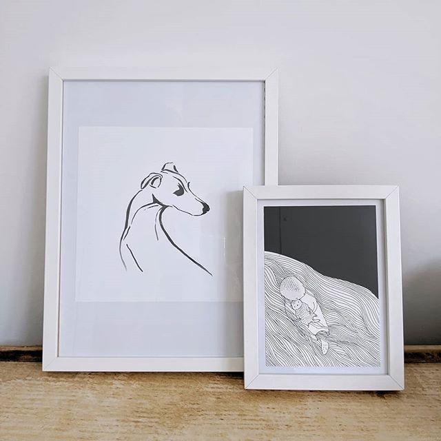 Some new friends for Bumpette. A little pic of her big fluffy sis, Mabel (by @hm) and a sweet sweet sweet mummy and baby otter (by @majasbok) like the two I saw playing in the shallow waters beneath Ben More estate on the far side of the isle of Mull 🤗  Frames not quite fitting and minus mounts but I had them already so we did some ever welcome saving 😉  I have to sing @majasbok 's praises again. Such a beautiful illustration and the parcel came through with a whole load of other gorgeous mum (or dad?) and baby pics that I hadn't expected. Totally adorable 🥰 Thank you Maja