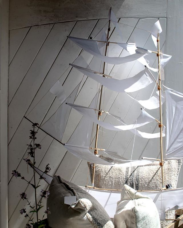 Dreamy sunshine moment at The Salutation Hotel shop  Magical sail boat, Nepeta racemosa Amelia and all the lovely textures of some old sackcloth cushions. Not to mention those doors  Popping in for a browse and snoop, The Salutation swiftly became top of my hotel wish list. One day. One day 😉
