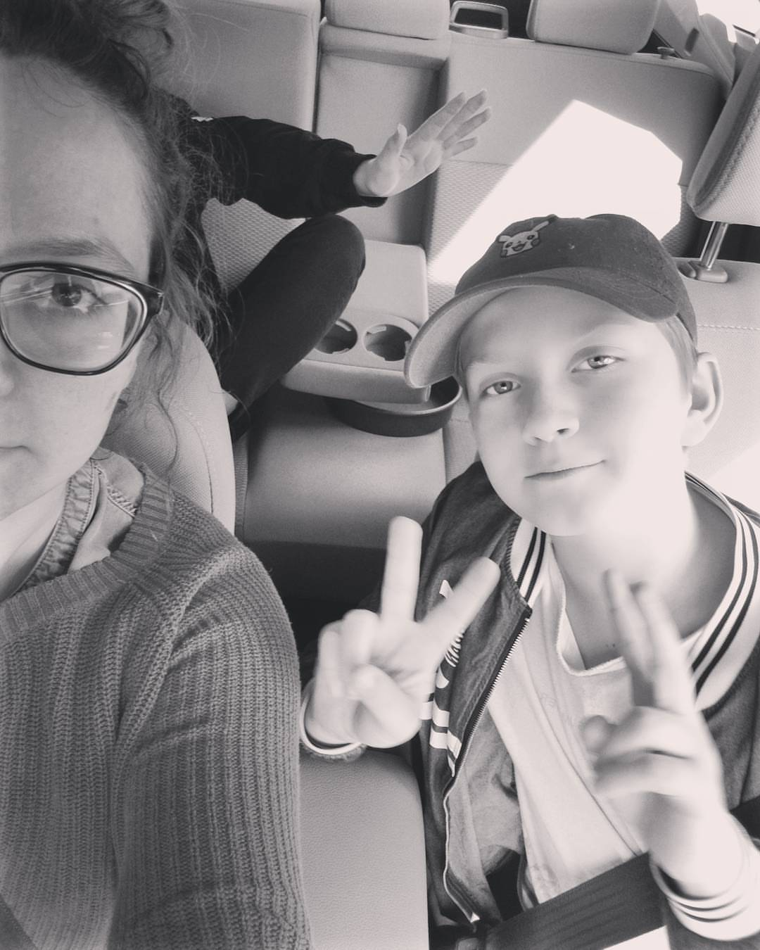 This is what the day before a fiber festival looks like. We're all puffy eyes and tired, big sis will only show us her hand, and we make last minute runs to the hardware store to prep. Just realized tomorrow marks a full year of me doing trade shows and fiber festivals. Can't wait to see everyone tomorrow at @fiberintheboro and then also can't wait to see @mybrothermybrotherandme tomorrow night, after a good day of work!!!