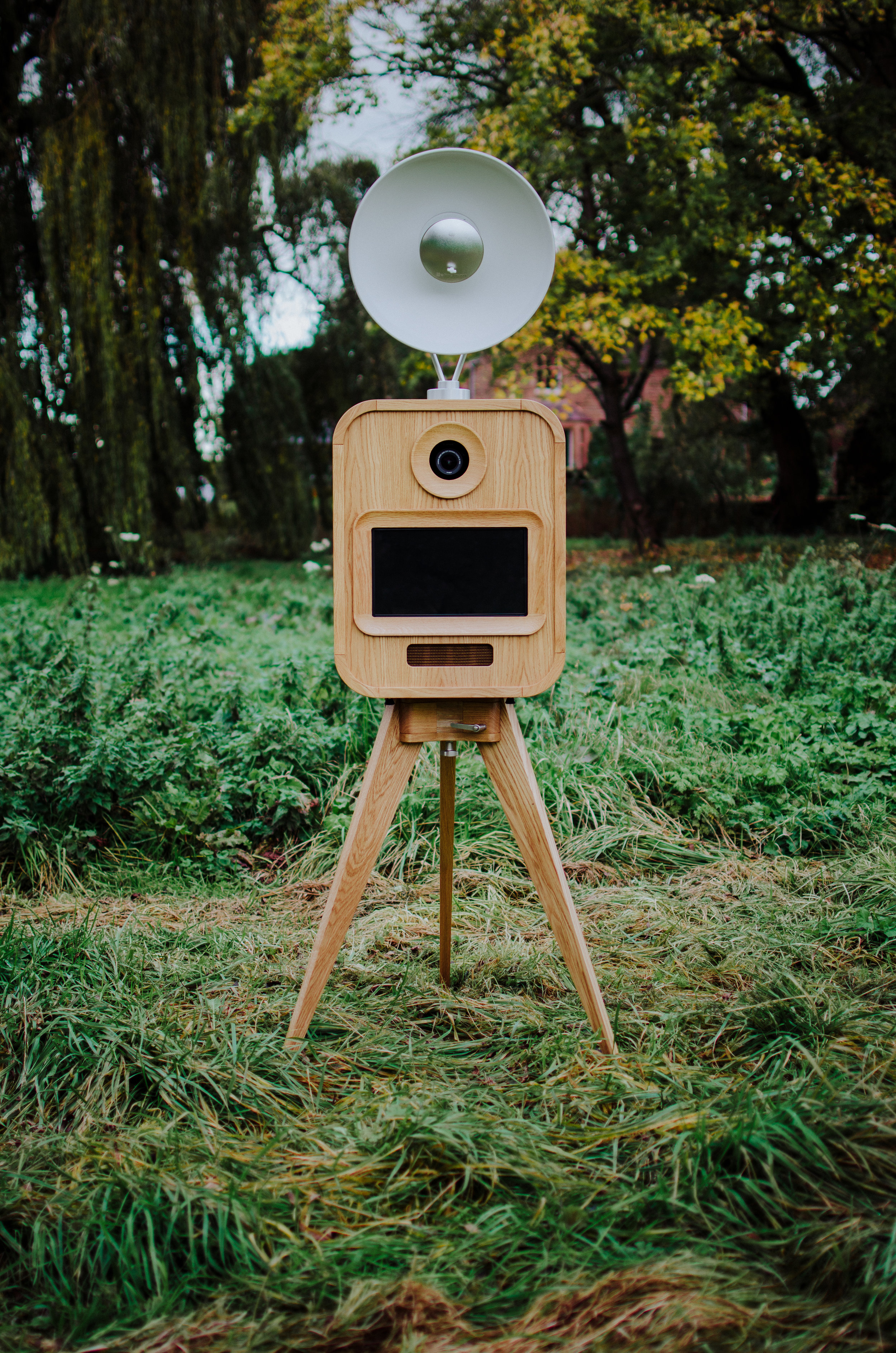 Made You Look luxury open air photo booth worcestershire west midlands full front view