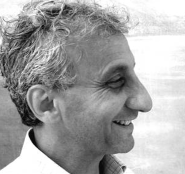 Franck Blady - né à Paris en 1951 »... invite le spectateur par sa peinture abstraite à pénétrer dans l'espace de l'image qui existe dans le monde fini, mais qui est aussi le médiateur vers l'infini.» (Dr. A. Carstens-Richter)Mes études artistiques se sont déroulées à Paris, à l'Ecole Supérieure d'Arts Graphiques, l'ESAG / PENNINGHEN. Cette école fut créée dans le cadre de l'ACADEMIE JULIAN qui ouvrit ses portes en1867, et où plusieurs élèves allaient devenir célèbres : ainsi ceux qui se baptisèrent les NABIS ou encore Marquet, Matisse, Léger, Derain, Duchamp.En 1973 je passai avec succès mon diplôme. Après avoir enseigné plusieurs années, j'ai choisi de travailler en tant qu'artiste indépendant. Depuis1997, je suis membre de l'association fédérale allemande des artistes et depuis 2001 j'enseigne aussi à la fondation Louisenlund, lycée et internat.La lumière et l'espace sont les facteurs déterminants de mon travail. Suivant la tradition du mouvementsymboliste, l'espace-couleur est l'expression pure de l'âme, la lumière laissant apparaître la couleur médiatrice des sensations humaines.Des peintures émane un esprit romantique. Elles sont surface de projection pour l'imaginaire. La nature, le paysage et les personnages ne sont pas la représentation réelle du monde, mais servent de métaphore. En vérité, il s'agit de l'utopie, du désir errant que chacun porte en soi.