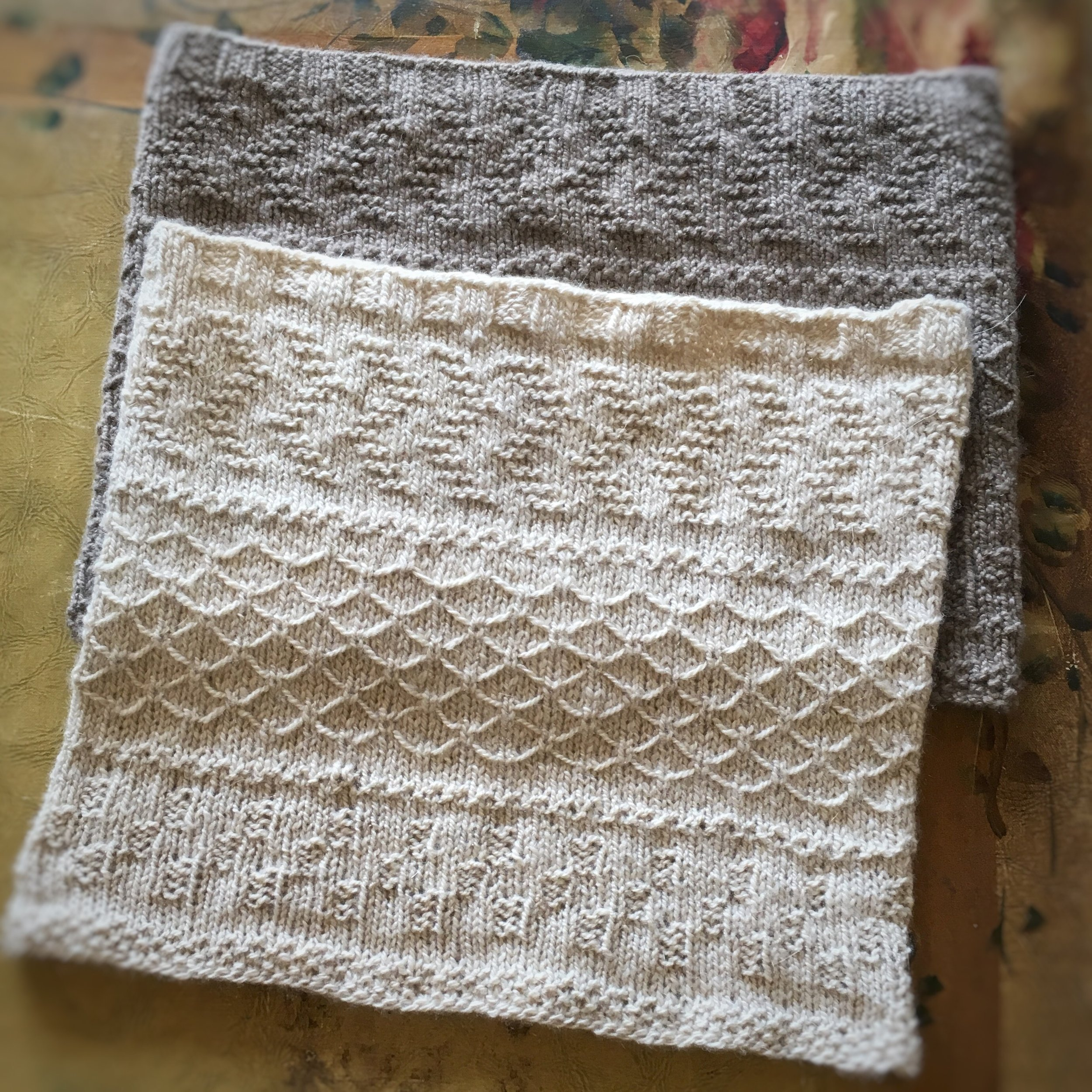 Familiar - Texture sampler knit in cashmere