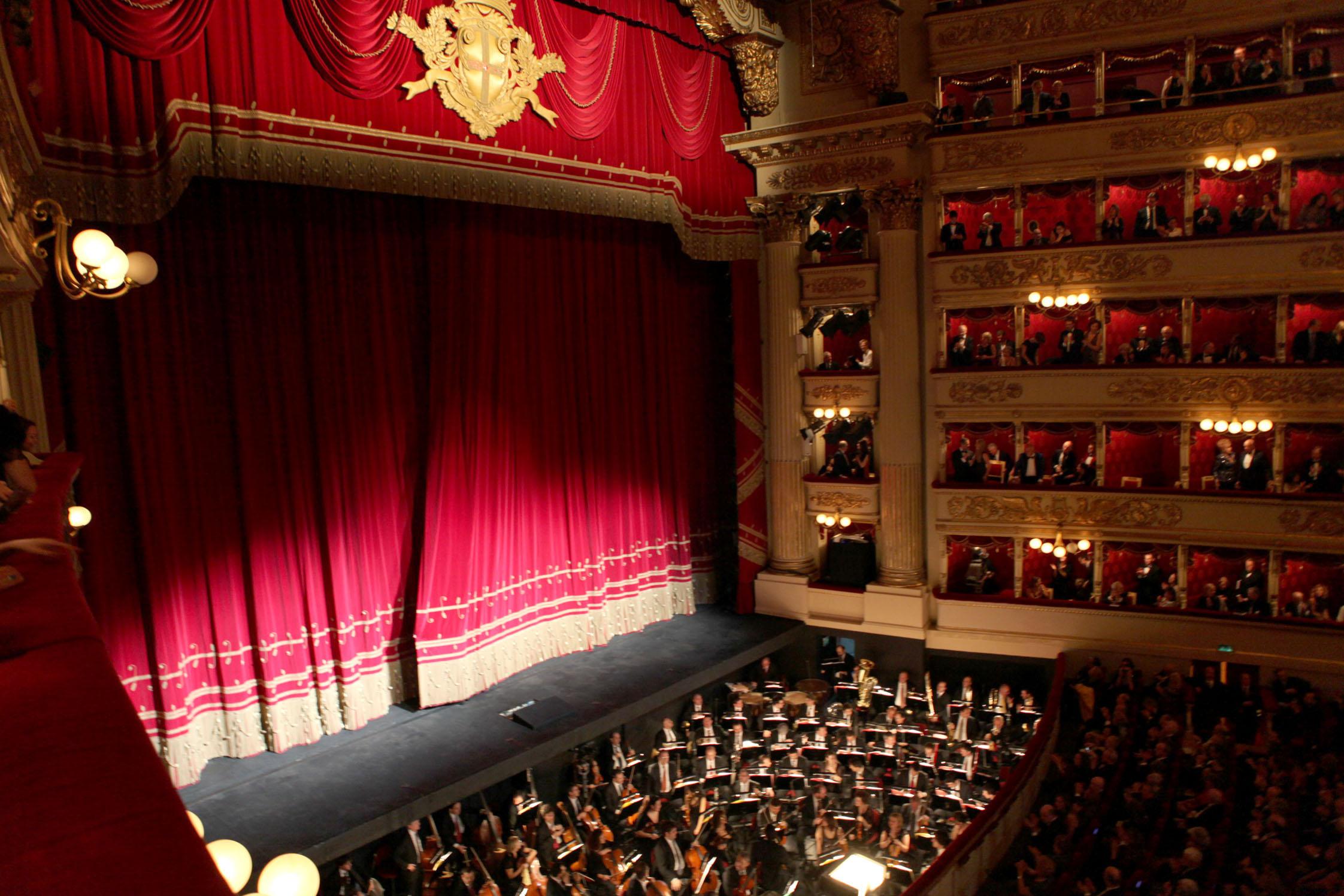 OPERA PACKAGE MILANO - Alla Scala -