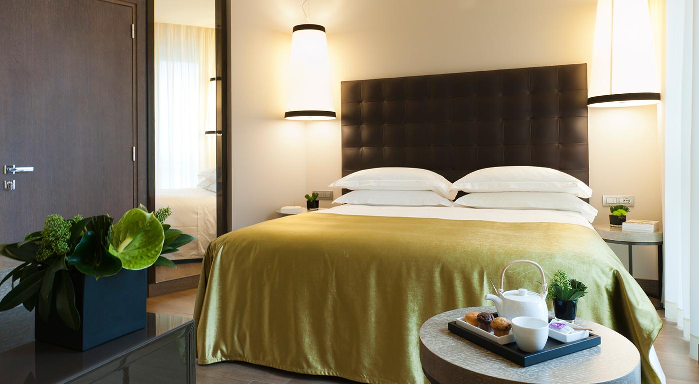 Starhotels E.c.h.o, Milano - Cet hôtel est l'un des premiers hôtels de Milan né pour répondre aux exigences d'une clientèle cosmopolite tout en étant écologiquement responsable. Il est situé à 100 mètres seulement de la Stazione Centrale et à proximité des gratte-ciel du nouveau profil de Porta Nuova, du centre historique et des principaux points d'intérêt pour la culture, le shopping et les divertissements.