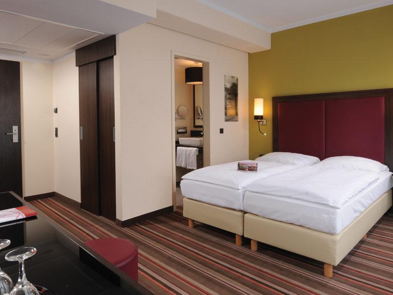"Leonardo Berlin, Berlin - L'hôtel est situé au cœur de Berlin, proche du métro ""Bismarckstraße"