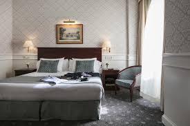 Hôtel Emperador, Madrid - L'hôtel Emperador est une destination riche en légendes et en histoire. Au cours de la seconde moitié du 20e siècle, l'hôtel a accueilli ses premiers clients et a été le témoin de différents événements liés à l'histoire de l'Espagne, notamment le couronnement du roi Felipe VI et de Letizia en 2014.