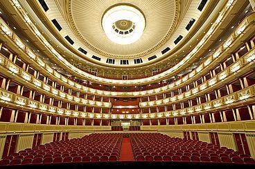 Wiener Staatsoper, Vienne - L'opéra d'État de Vienne est une compagnie publique d'opéra et de ballet située à Vienne. C'est l'un des plus prestigieux opéras du monde, et l'une des toutes premières institutions culturelles de la capitale autrichienne.