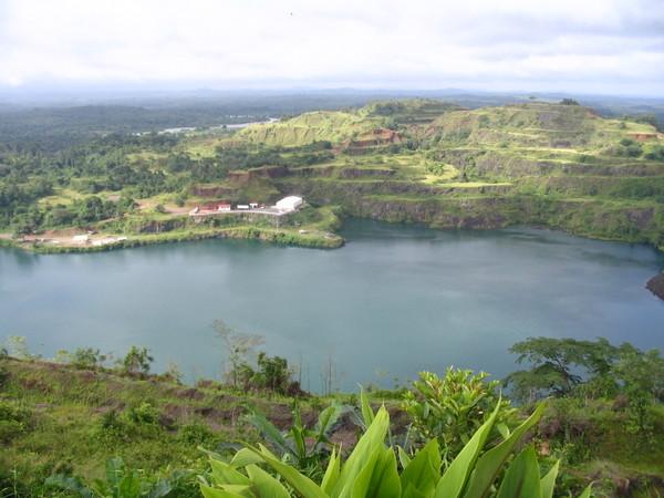 liberia-bomi-_lake.jpg