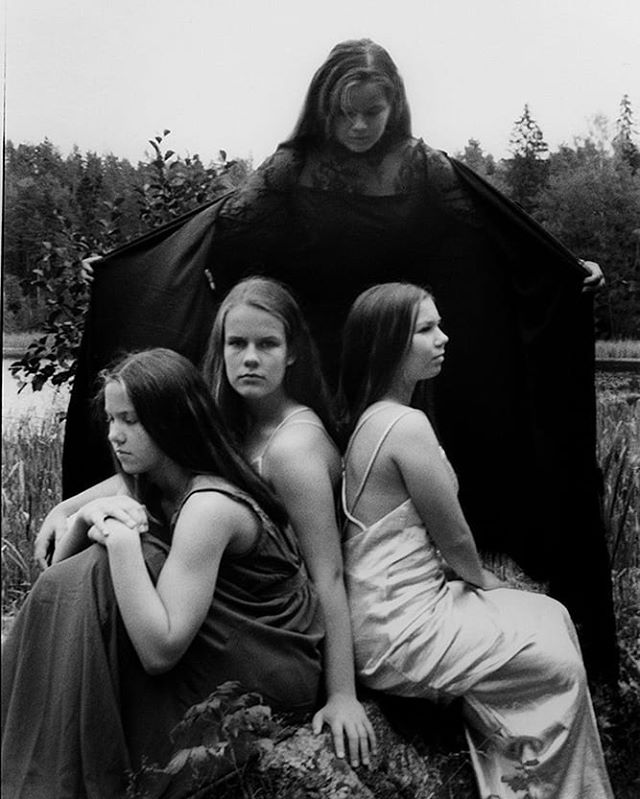 #bw_magasine #photography #bnw_demand #filmisnotdead #fineart #bnw_europe #portraits #sisters #photographyart #portraits #35mmfilmphotography #womanphotographer #womeninphotography #fashionphotography #fashion