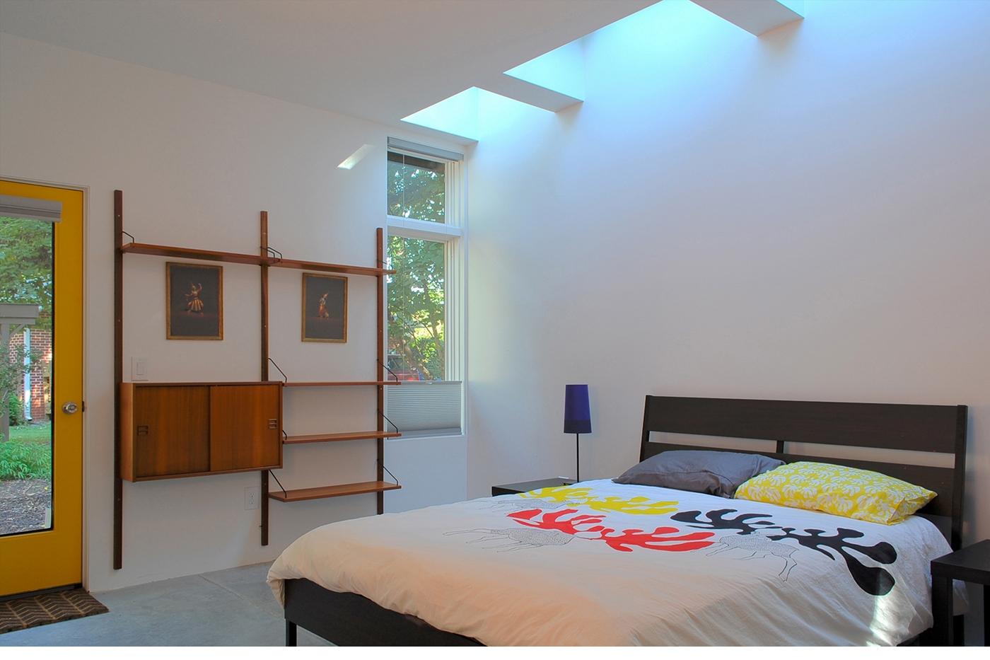 01-CUBE-Carrboro-bedroom.jpg