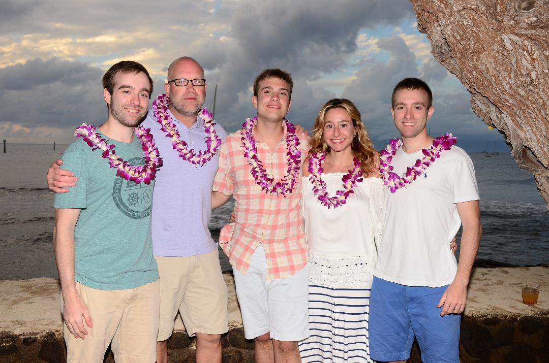 Maui 2018 family photo.jpg