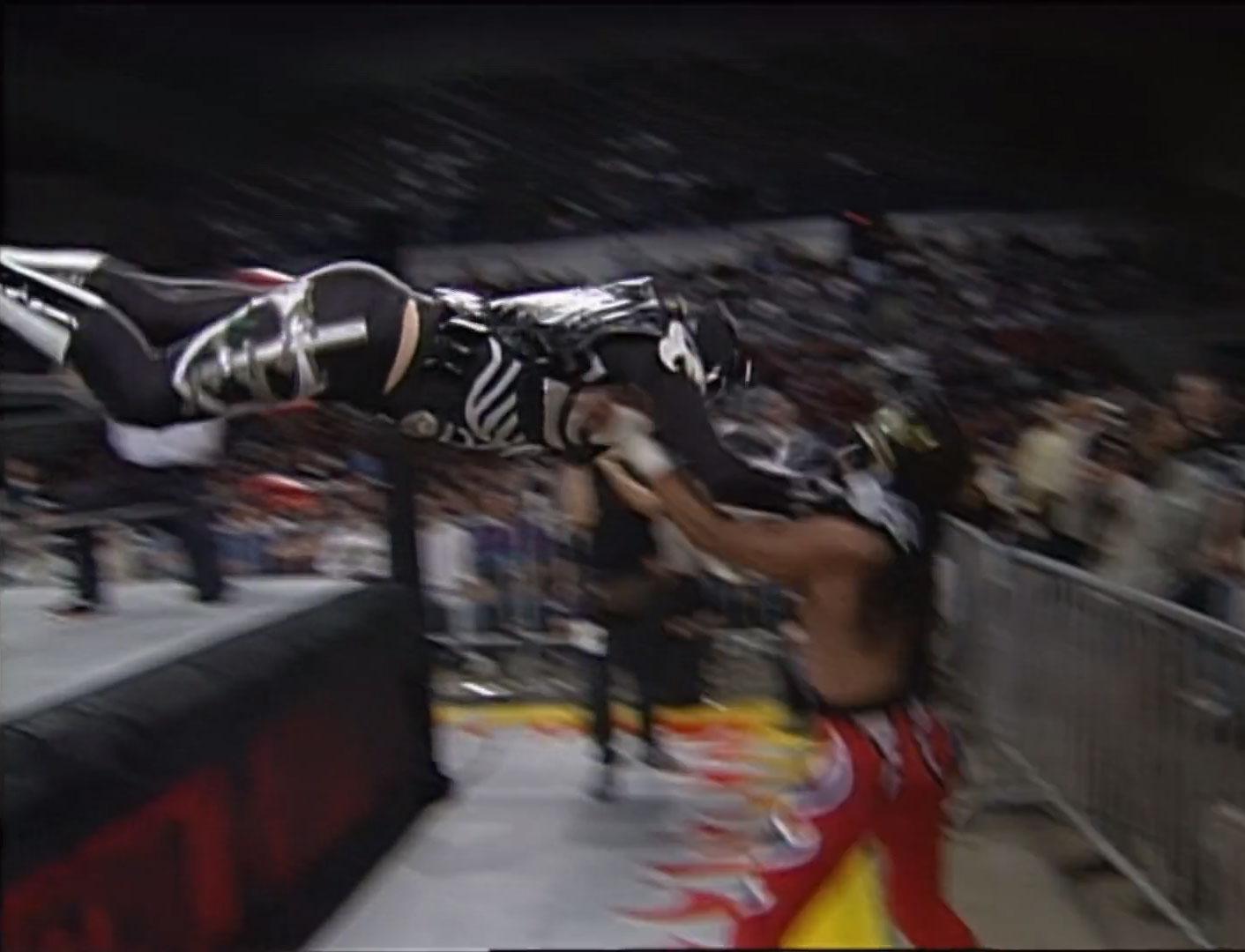La Parka vs. Juventud Guerrera,  WCW Monday Nitro, November 18th 1996