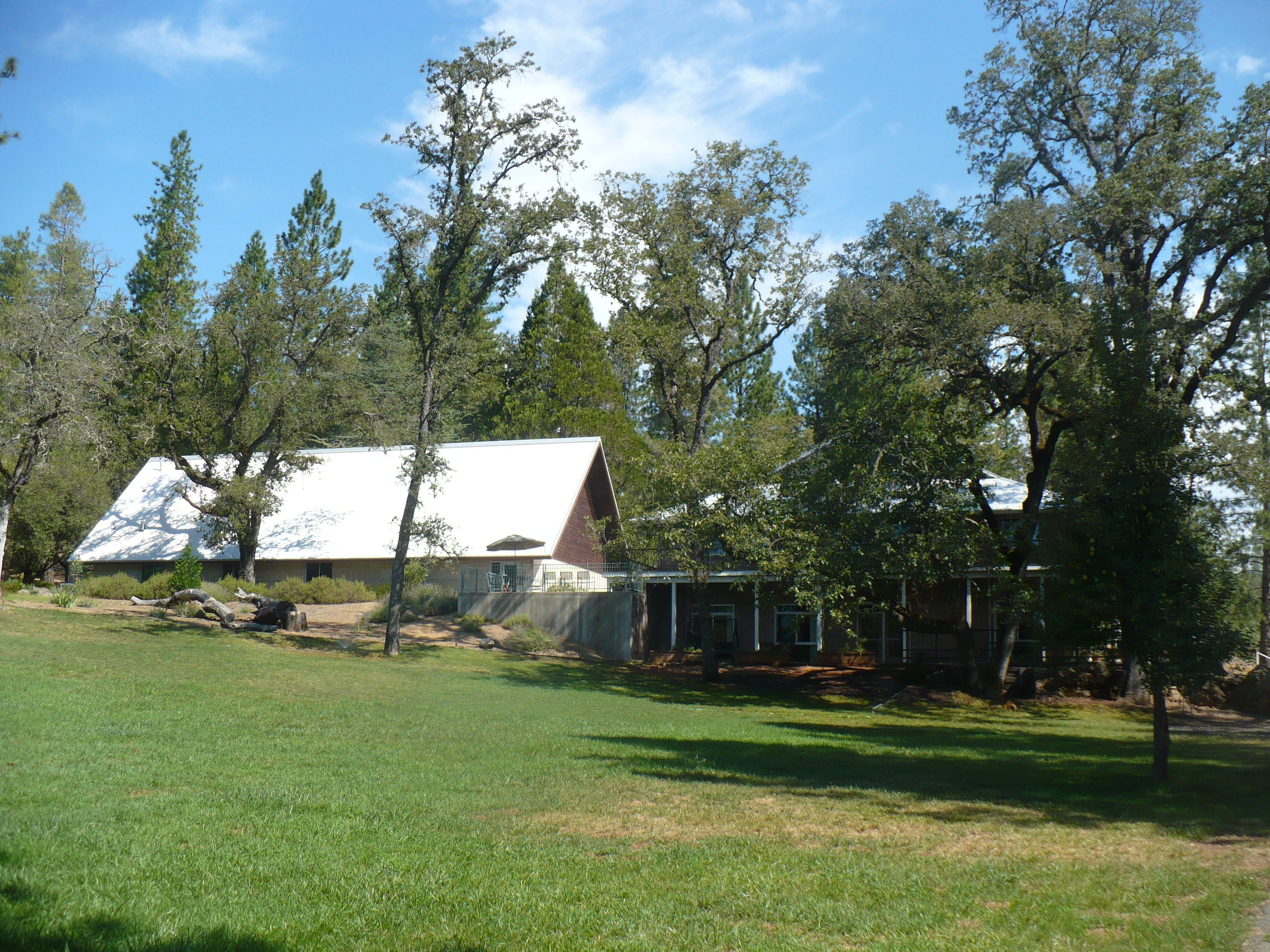Chapel & Redwood Lodge