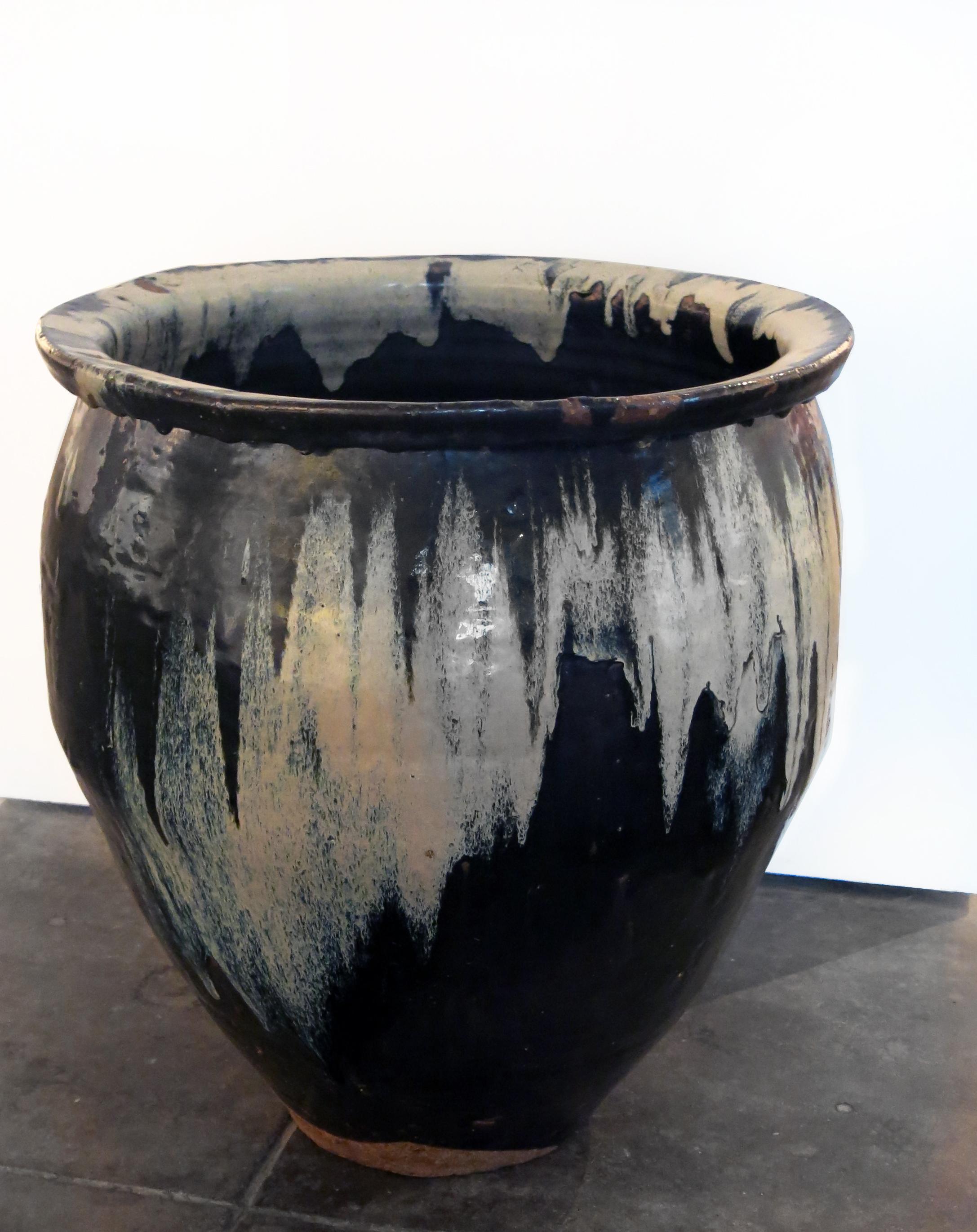 Japan, Urn, Edo period: 1800-1867, karatsu ware, 22.5h x 21d in.
