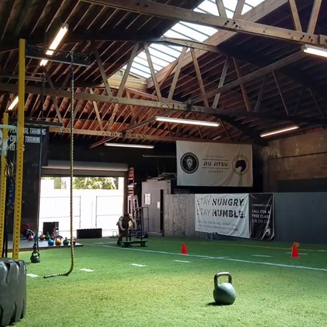 #PASADENASTRONG . . . . #pasadenatrainer #privategym #training #beastmode #gym #workout #trainer #personaltrainer #fitlife #fitfam #gymtime #lifting #exercise #bodybuilding #stretch #strength #conditioning #la #gymlife #coach #fitness #bjj #losangeles #cardio #beast #fit #bootcamp #coaching #train