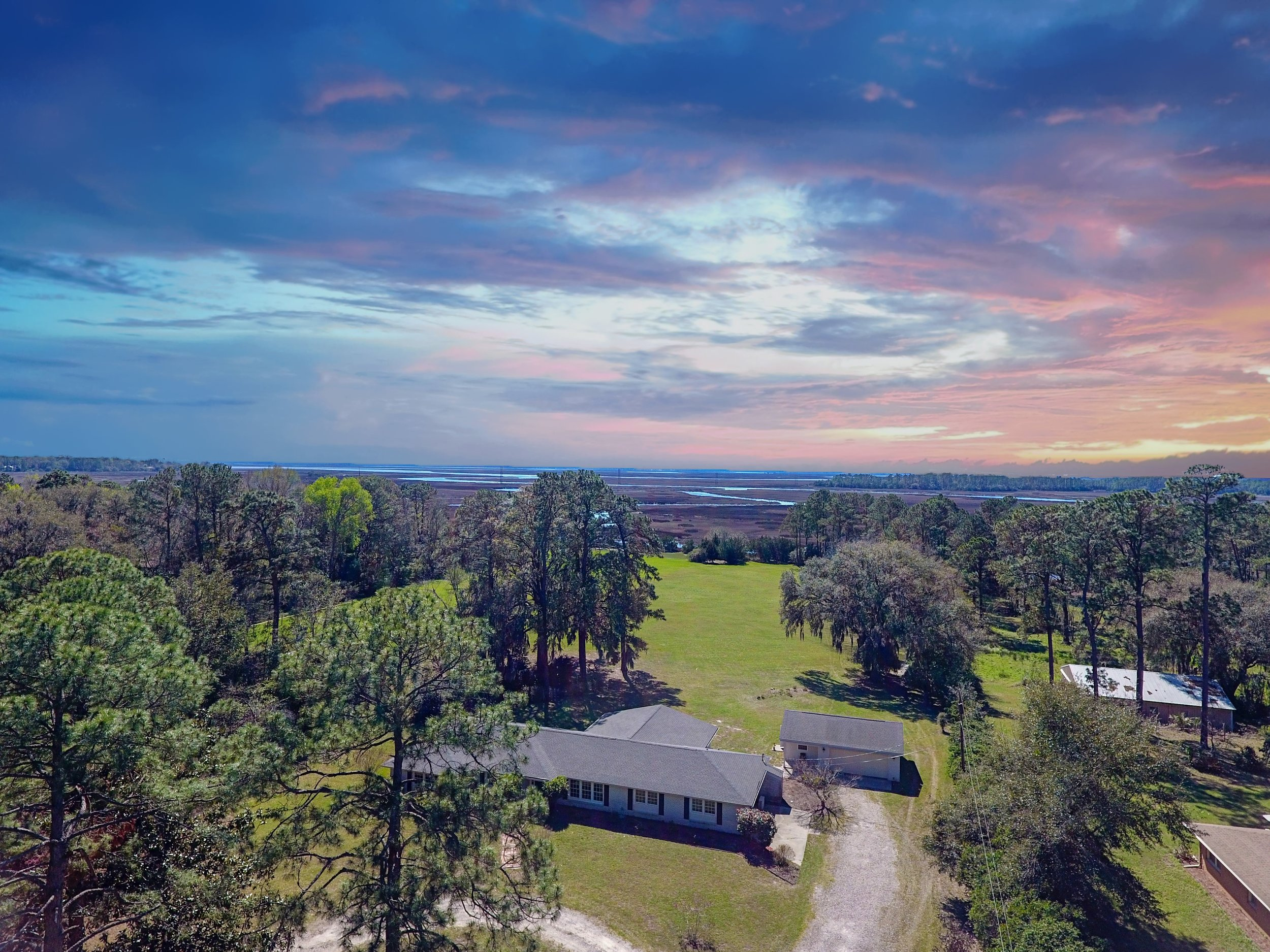 Aerial Photography - Change Your Perspective with low altitude images that will make your property views rise above the othersLEARN MORE >>