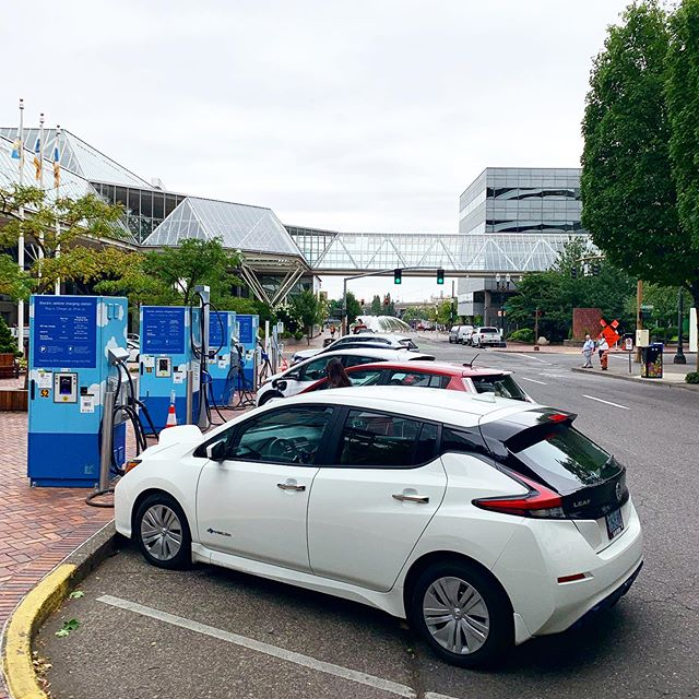 @portlandgeneral's Electric Avenue is hoppin' on a Tuesday morning.  #GoElectricOregon #chargeupandgo #EV #electricvehicle #carcharger #zeroemissions #plugin