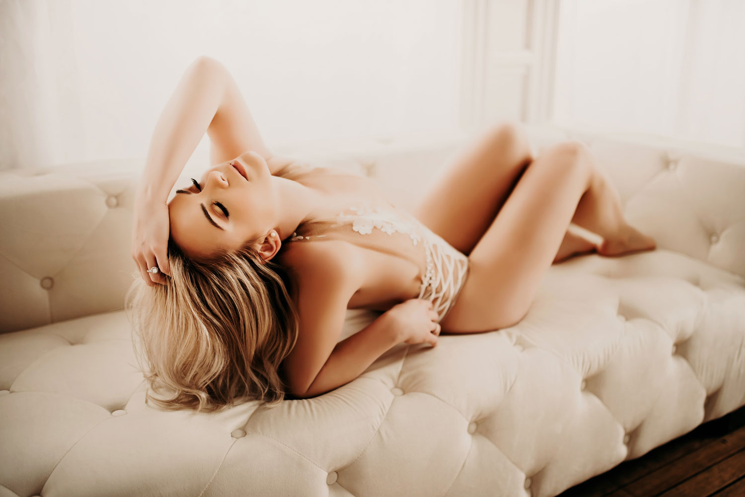 golden aura photography - the boudoir experience