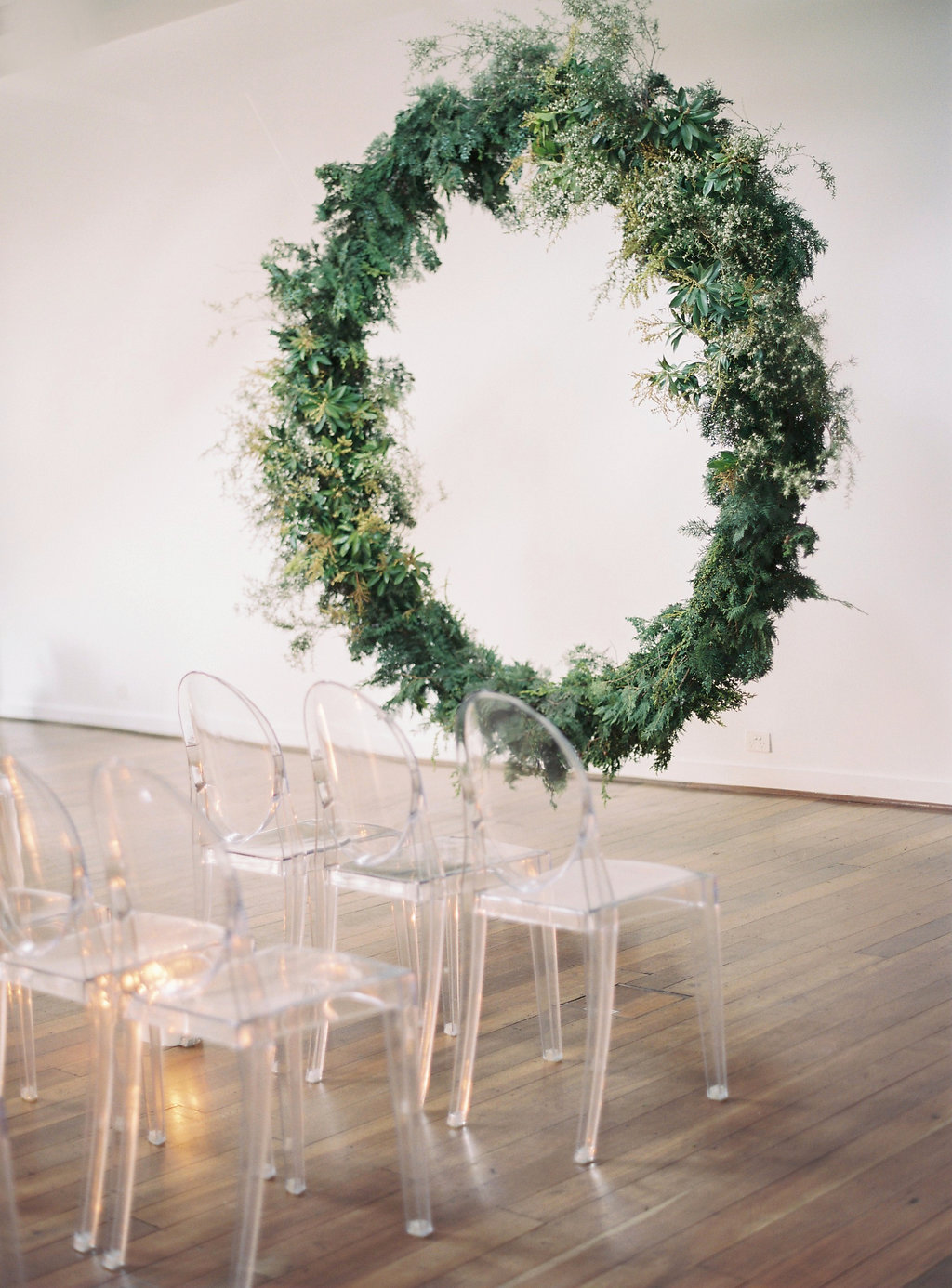Aravella Event Design | Modern Minimalist Bridal Inspiration | Photo by Katie Grant Photography | Ceremony Arbour | Round Arbour | Eternity Arbour