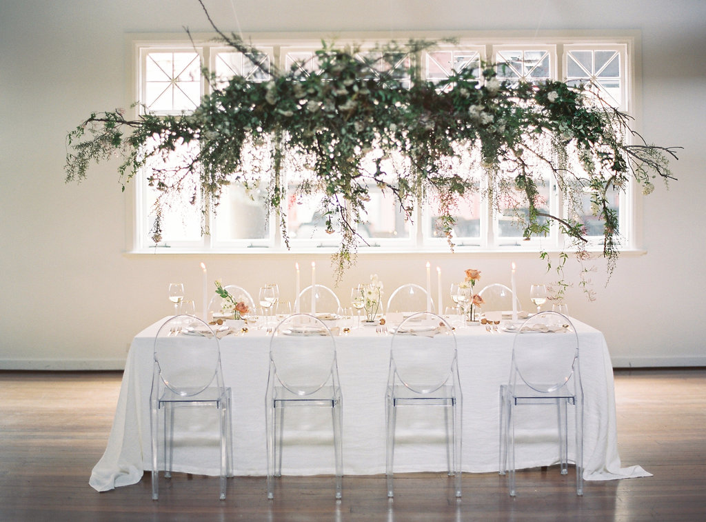 Aravella Event Design | Modern Minimalist Bridal Inspiration | Photo by Katie Grant Photography | Tablescape | Hanging Installation