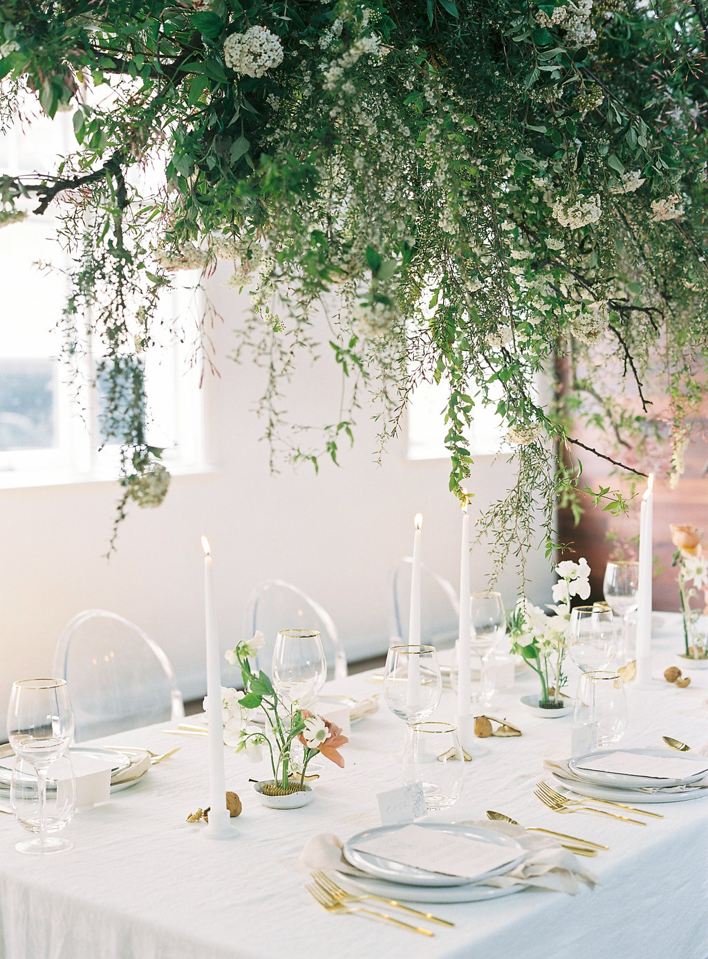 Aravella Event Design | Modern Minimalist Bridal Inspiration | Photo by Katie Grant Photography | Wedding | Tablescape