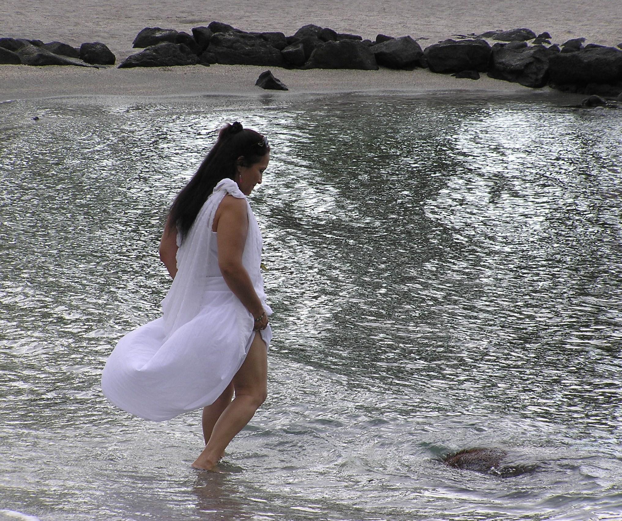 17 kumu in water.JPG