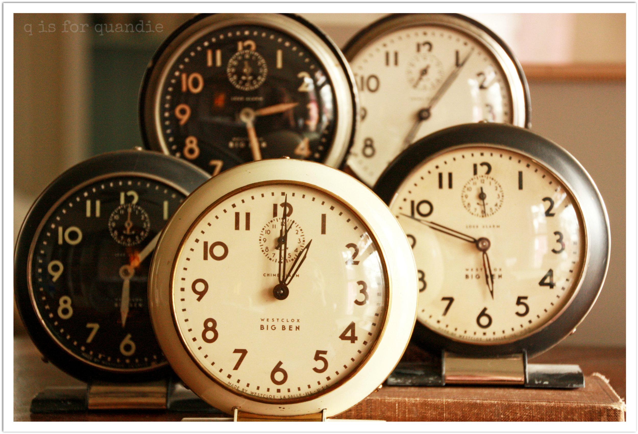 Vintage Clocks retro style00010.jpg