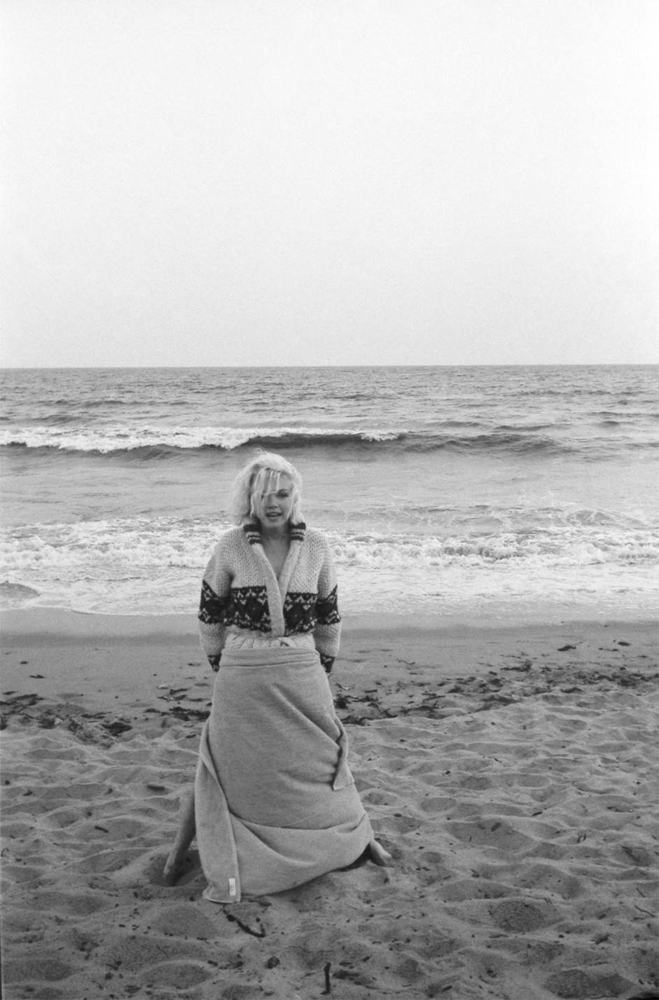 Vintage cookbooks Marilyn Monroe vintage photos