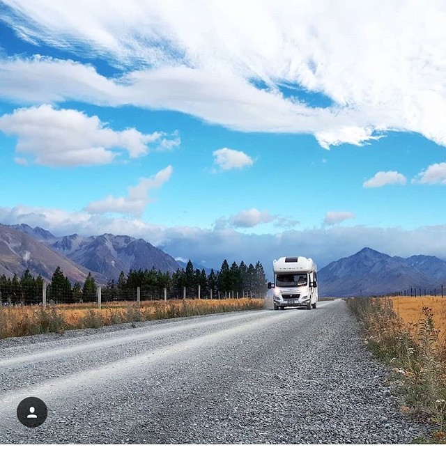 This is why we do what we do here at @nzsunriseholidays... to give people the opportunity to explore and experience #Aotearoa #newzealand on their own terms, at their own pace with #freedom and #comfort... Thanks for sharing the awesome pic @jessgreenvelvet keep up the great work! . . #aoraki #mtcook #beautifulnzcampervanholidays #nzsunrise #thecloudpiercer