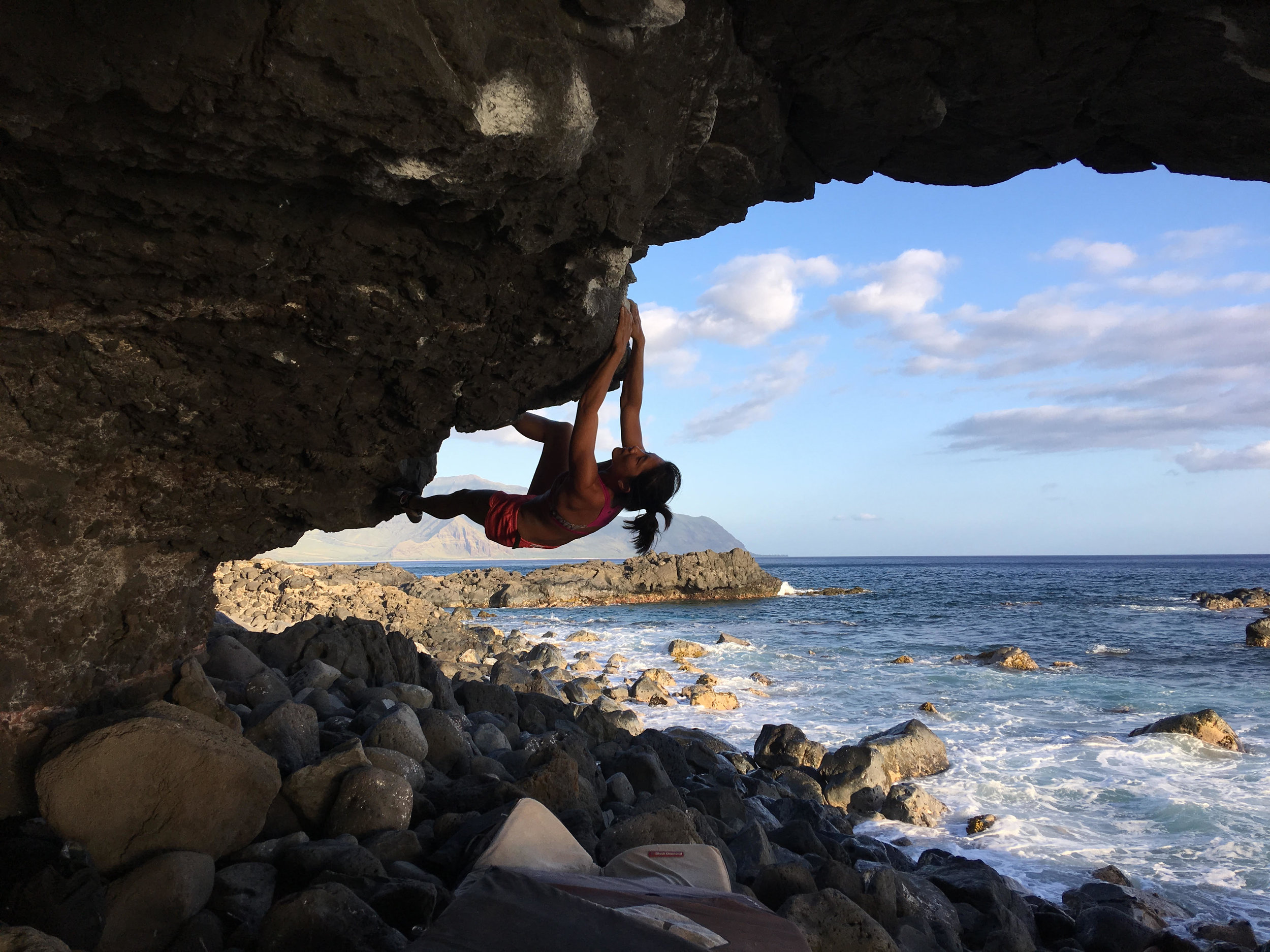 Wai Yi working the moves on Bottom Rock, V10 at the Arch (Photo credit: Trisha Maxwell)