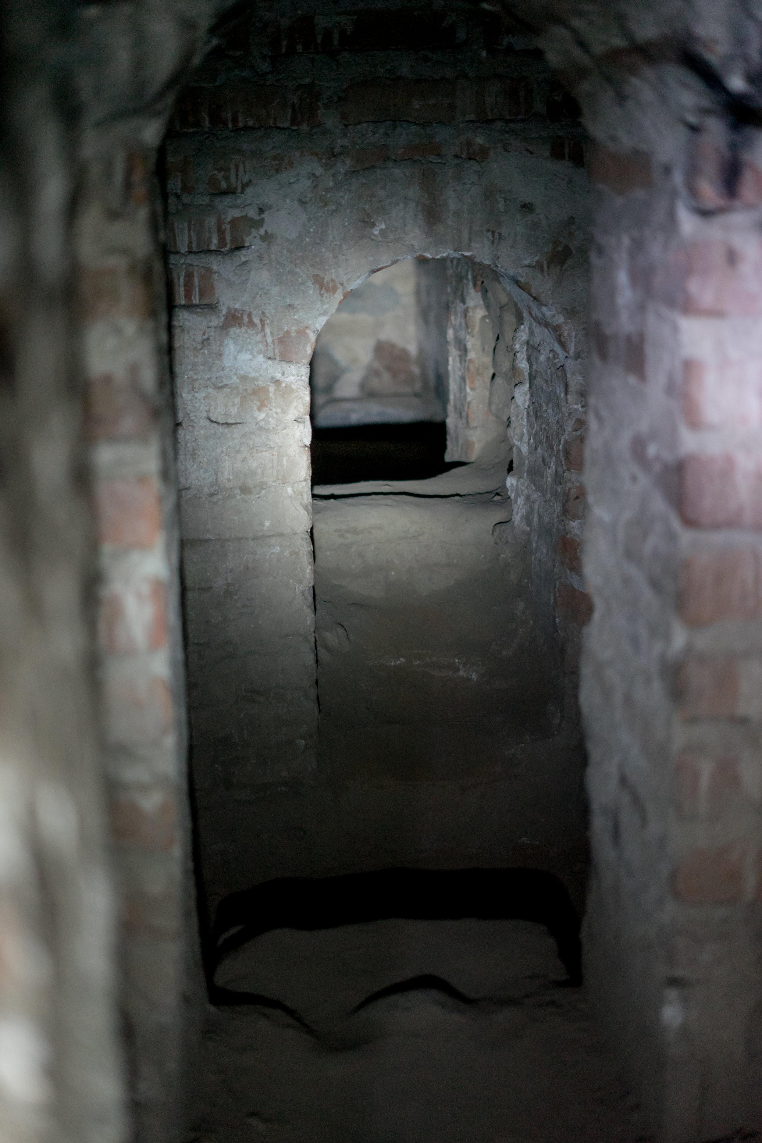 slavetunnels-19.jpg