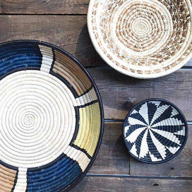 How gorgeous are these handcrafted baskets from @kazigoods?! We absolutely love the texture and color that they add to any room 🧺 Shop these baskets in store and online! The shop is open until 6p tonight🍂 • @kazigoods supports people in Africa  with meaningful jobs that provide secure and stable futures for artisans and their families. We're excited to be partnered with another brand that makes the world a better place 🌎❤️ #100to0 #makersmovement #supportthepeople #iamarete #aretesyndicate #areteaccelerator #wearethecollective #whomademybasket #fairtradedecor #basketwall #handwovenbasket #discoveryunder10k #ethicallymade #madeinafrica