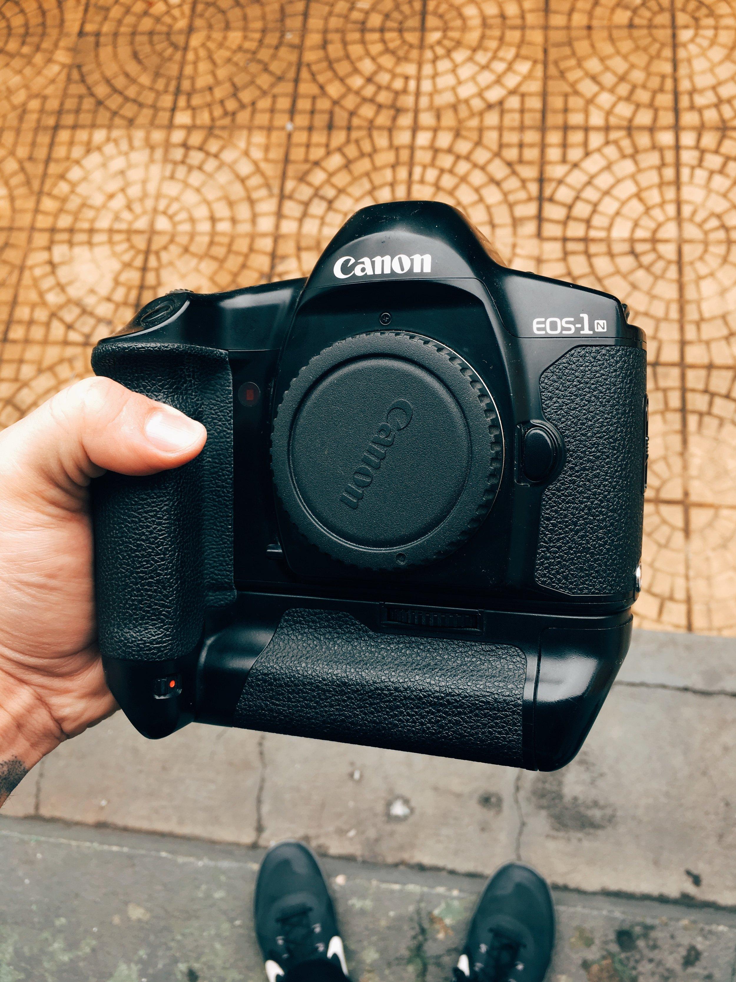 Canon EOS-1N - Sim, ela funciona e sim eu uso até hoje : )