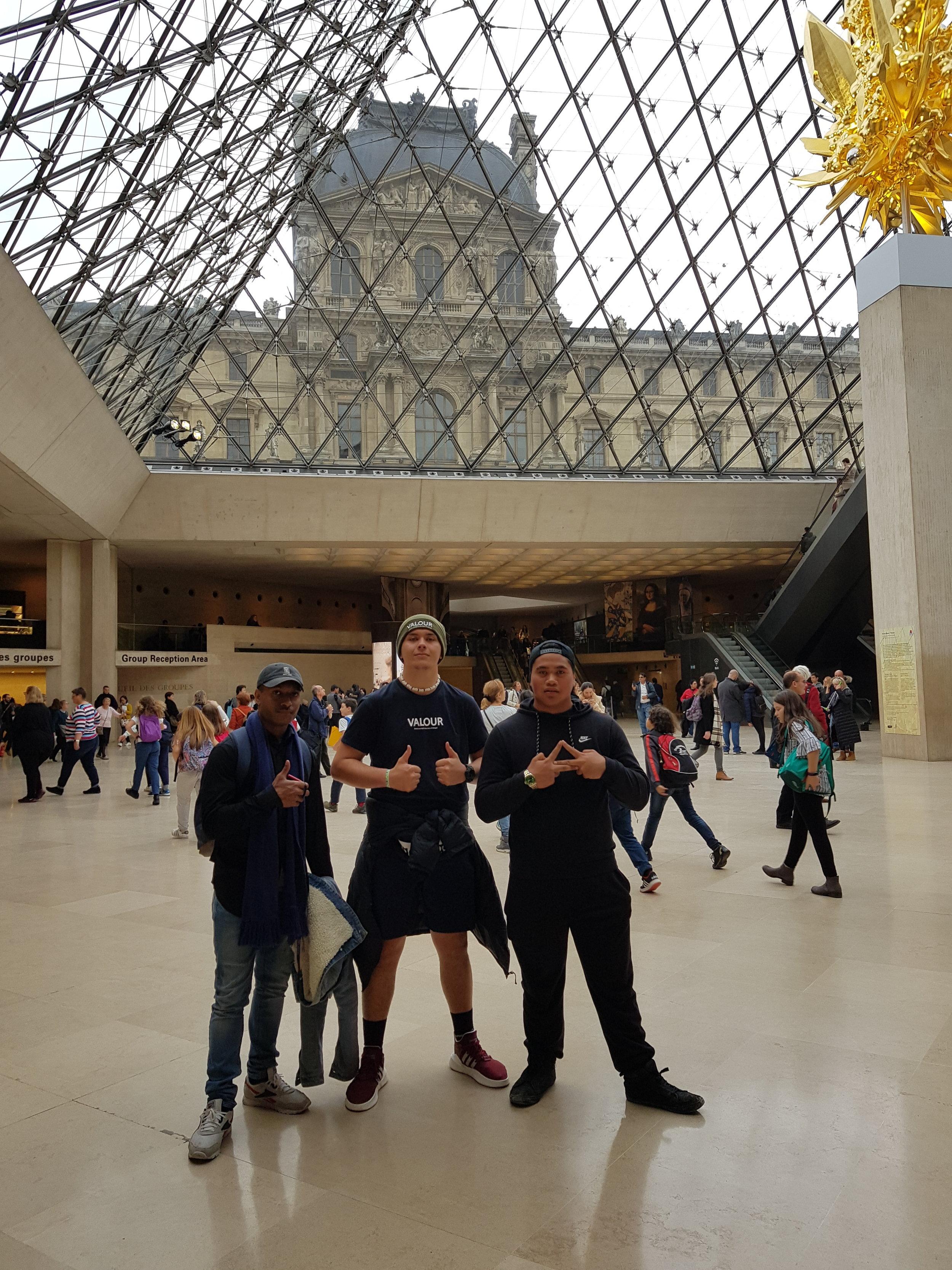 DMOV18 - Paris, Louvre Museum.