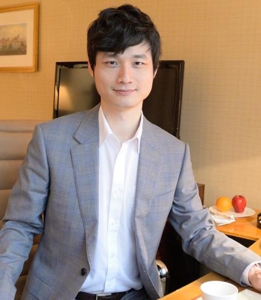 JimmyHsu - 臺北大學學士英國里茲大學碩士英國里茲大學臺灣學生會長生揚電子行銷經理A-Studio資深教育顧問銀禧國際管理顧問總經理
