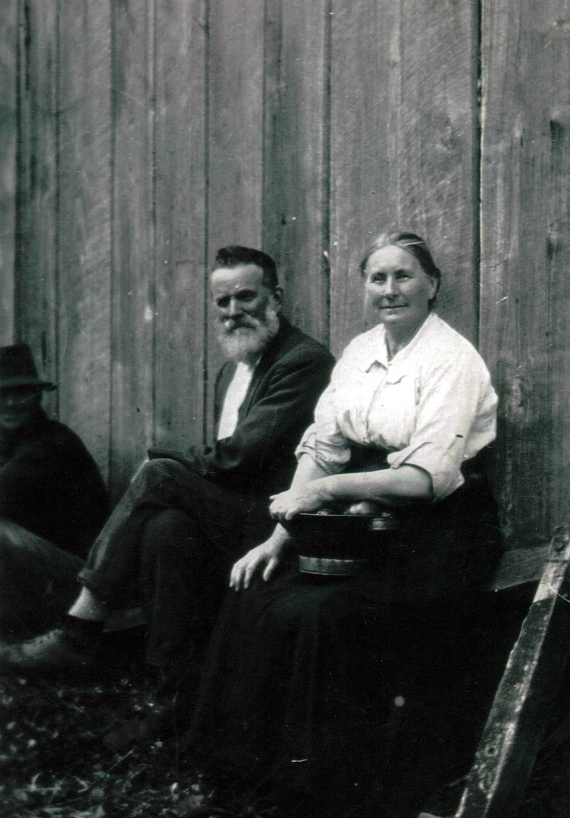 Samuel and Lavinia, leaning against the shed which still stands at the Aylesbury farm today.