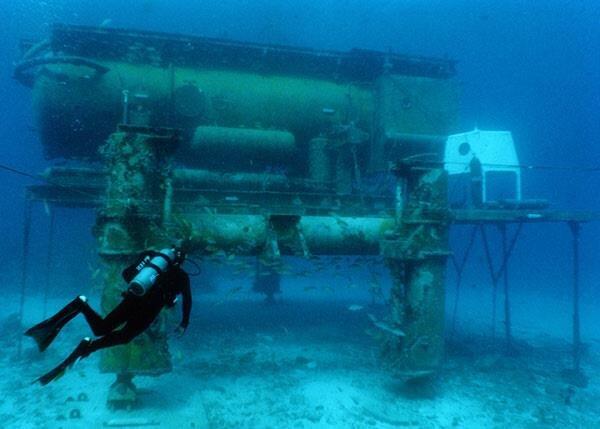 aquarius-undersea-lab-01.jpg