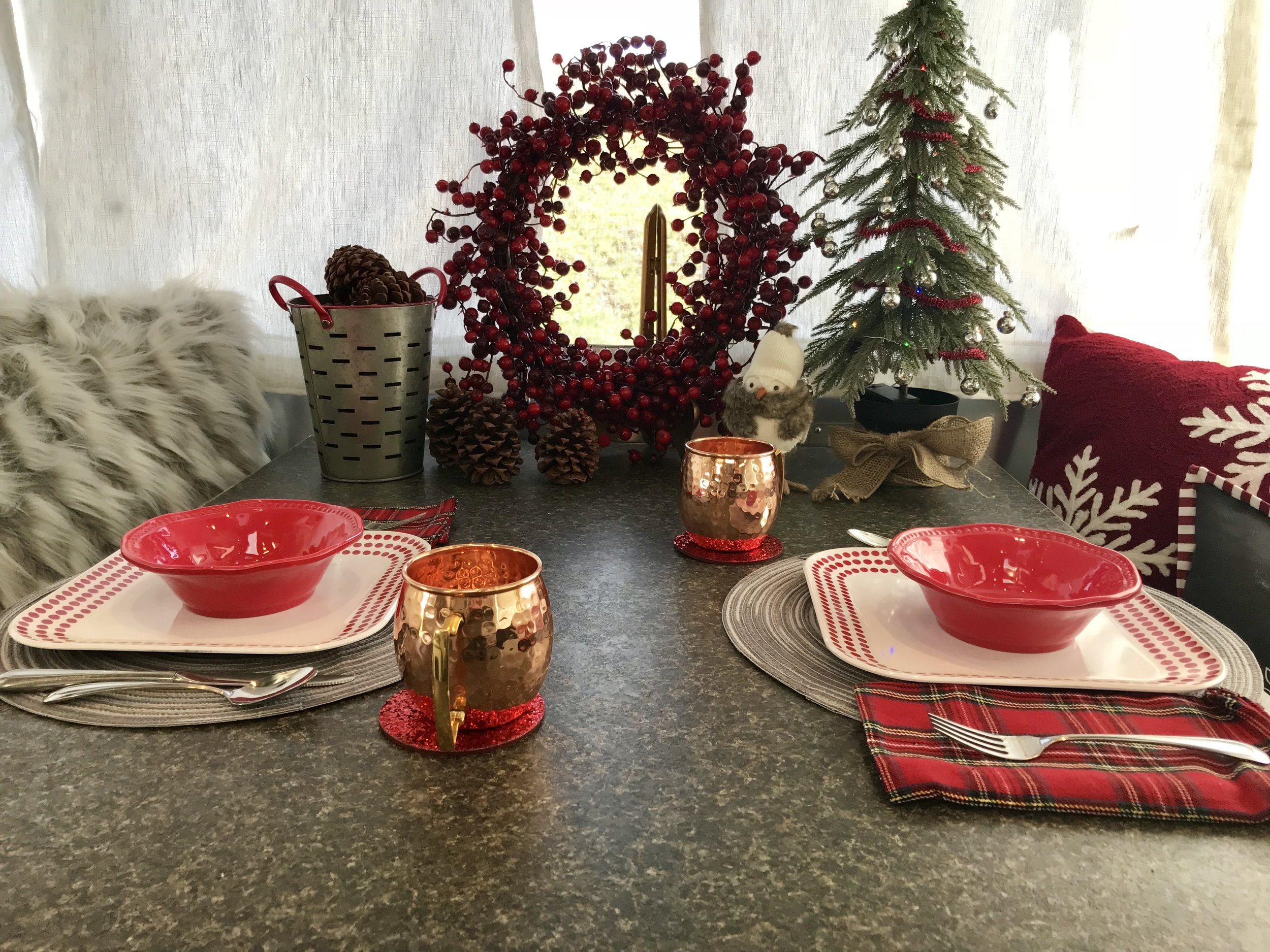 Christmas Table Close 2.jpg
