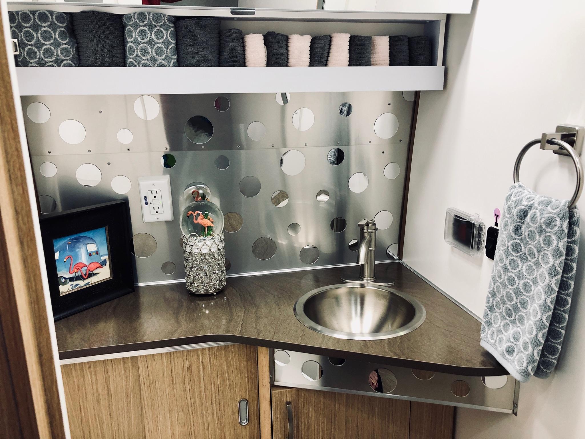 Dixie Bathroom.jpg