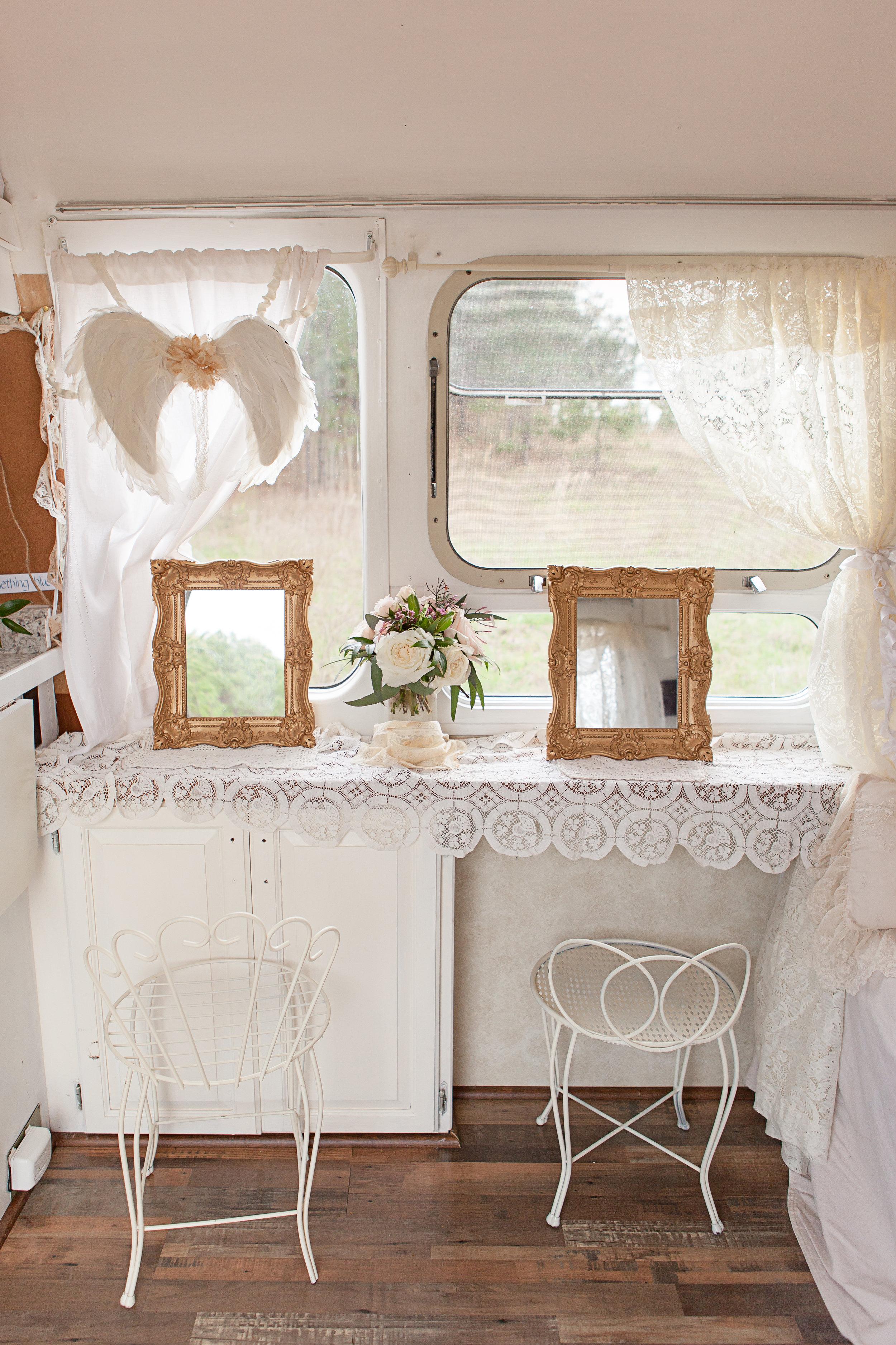 Airstream Bridal Suite4.jpg