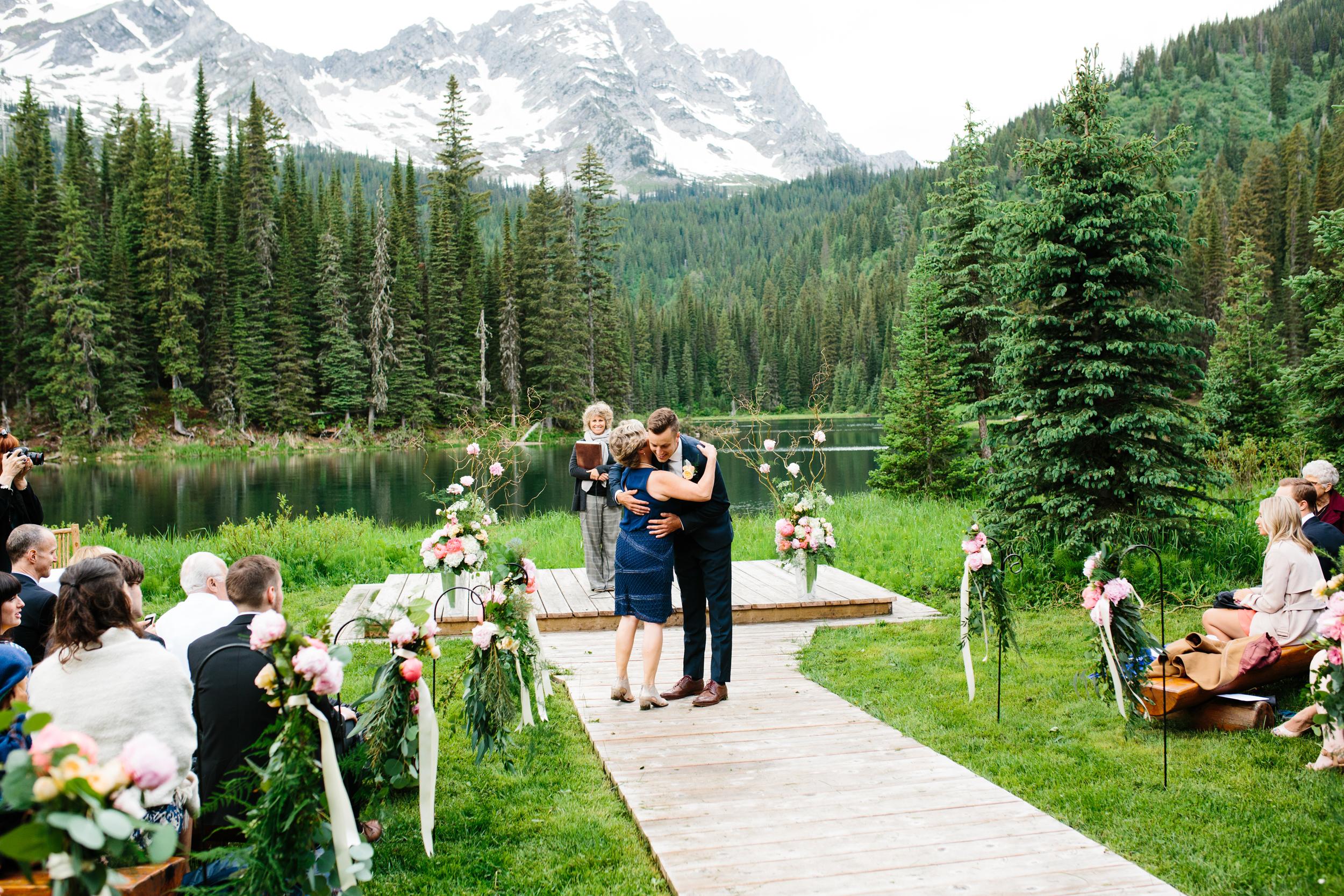 Island_Lake_Lodge_Wedding0019.jpg