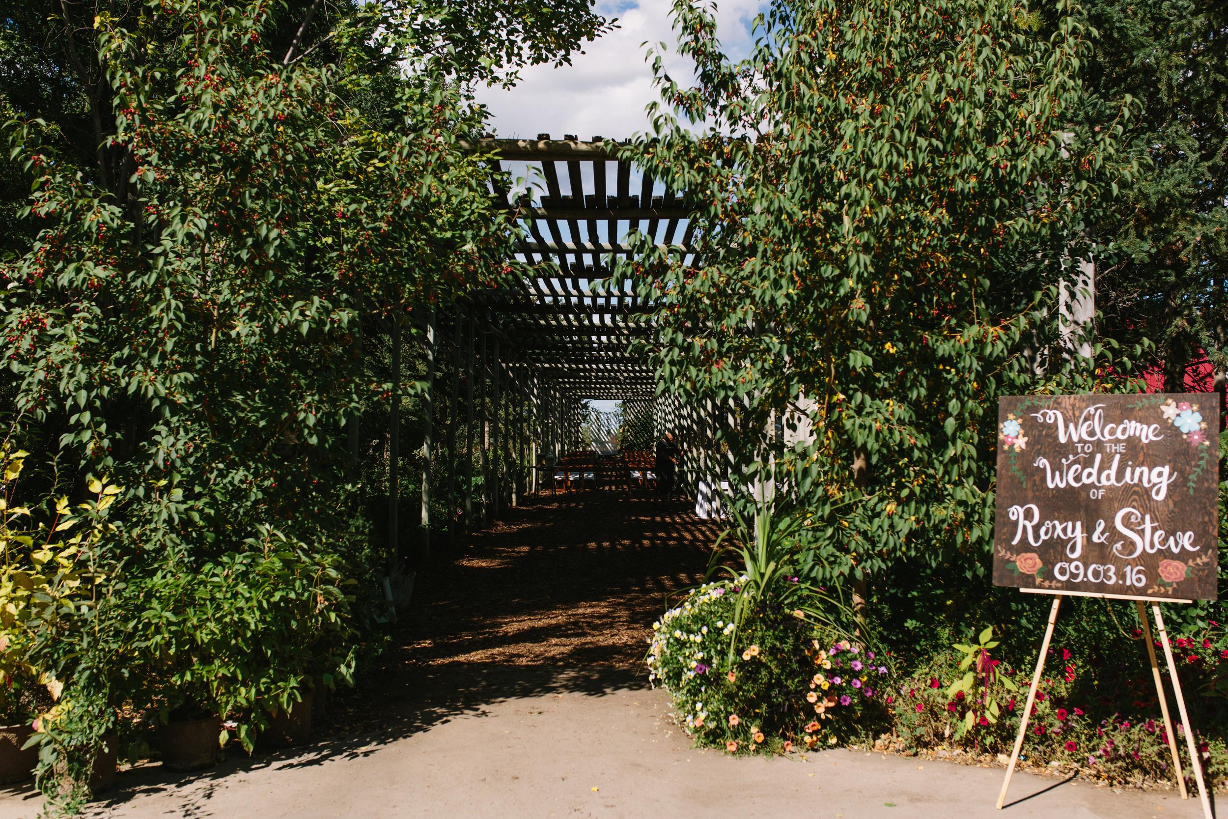 Saskatoon_Farm_Greenhouse_Wedding0030.jpg