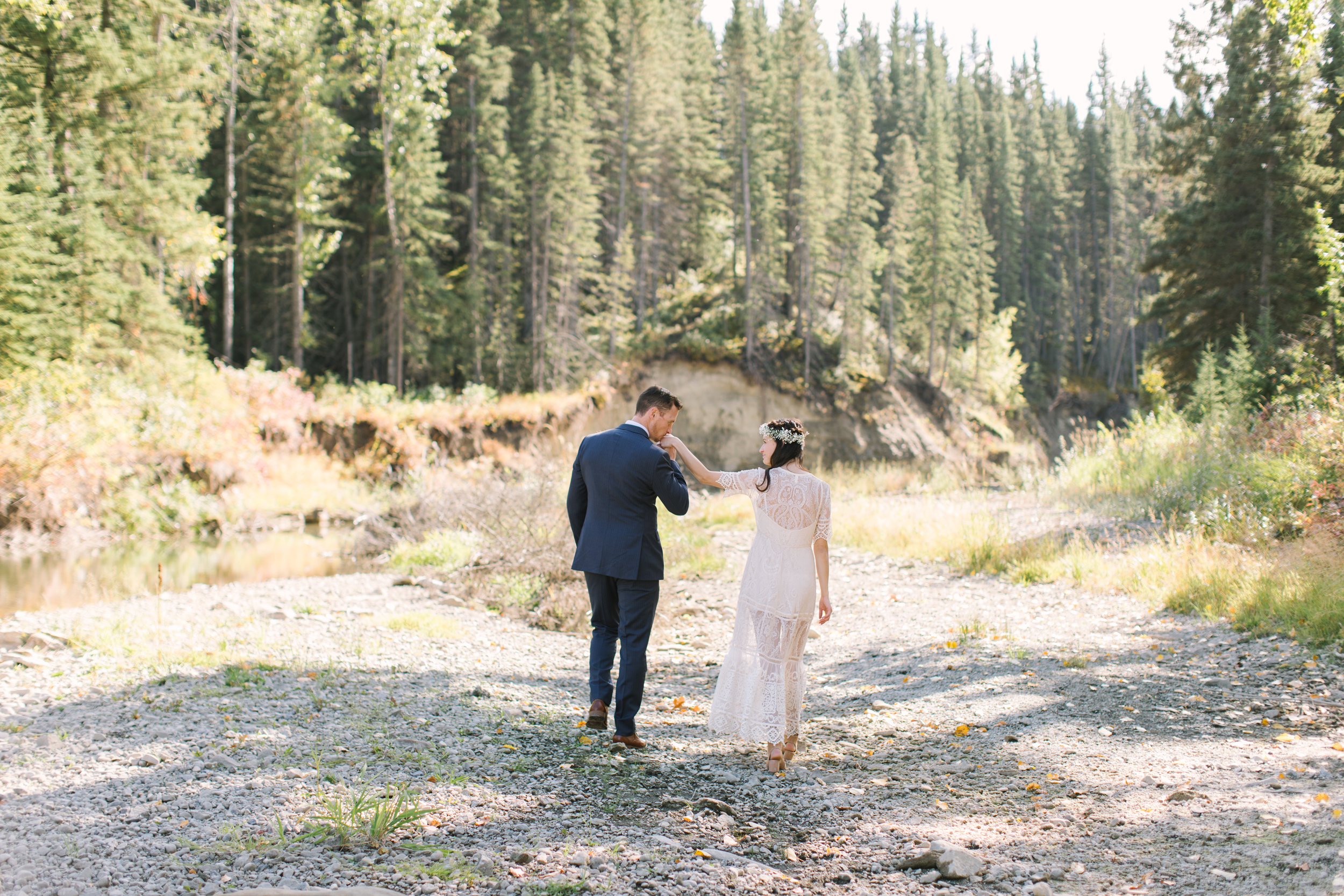 Calgary_Intimate_Backyard_Wedding0019.jpg