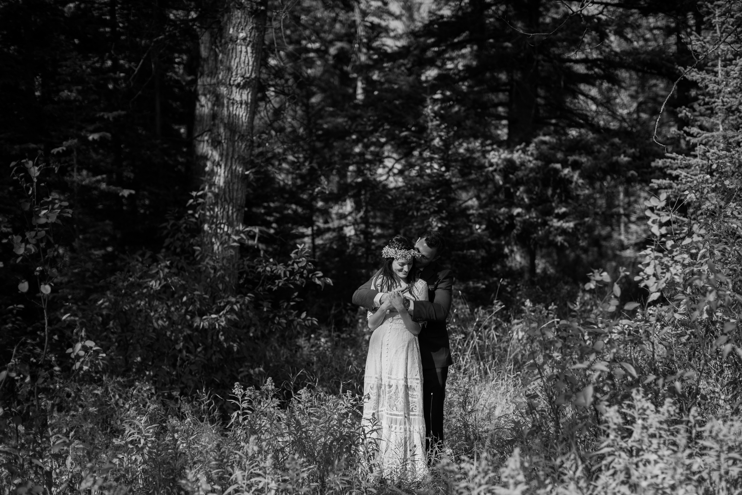 Calgary_Intimate_Backyard_Wedding0025.jpg