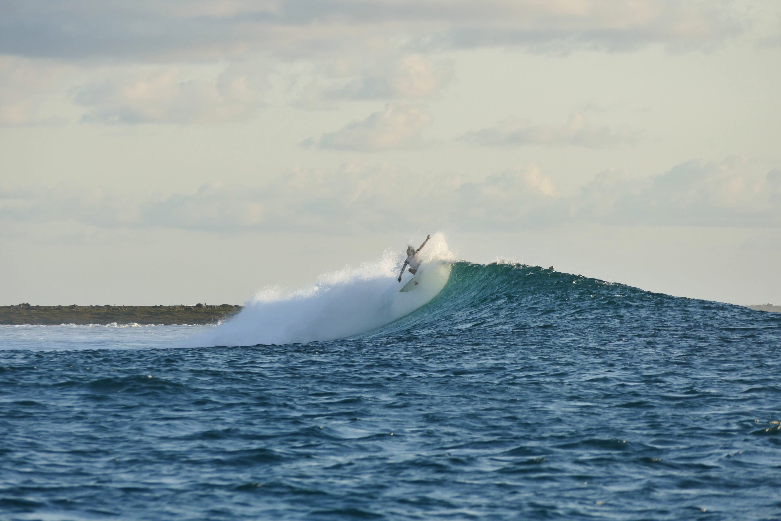 Surf Rote Island Indonesia (2).jpg