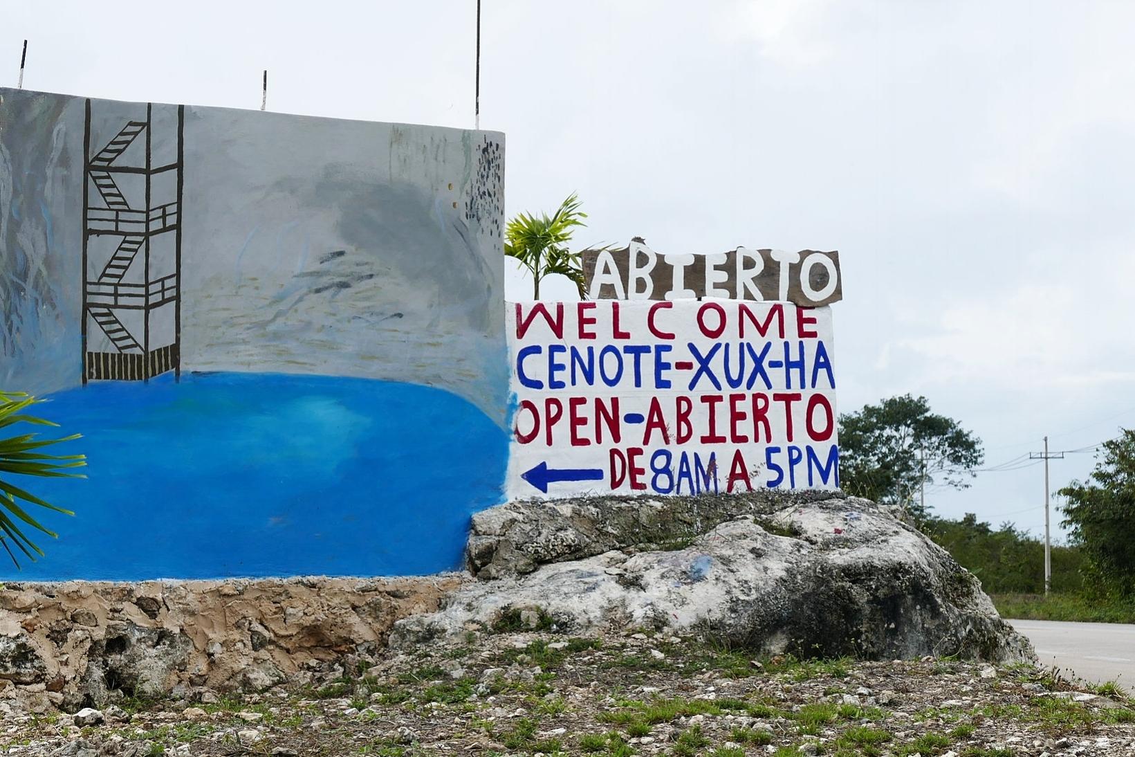 - Depuis le Cenote Azul, nous devions retraverser Valladolid pour nous rendre à Mérida, passer notre dernière nuit sur le Yucatan et à environ 5km de la ville, sur la gauche, (repérez le panneau, vous ne devez pas passer à côté), nous sommes tombés sur le Cenote Xux-Ha !