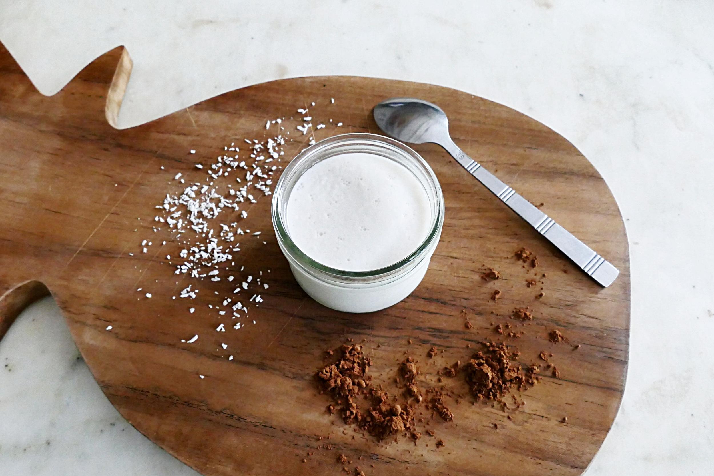 Yaourt au lait de coco maison et bio (sans yaourtière)